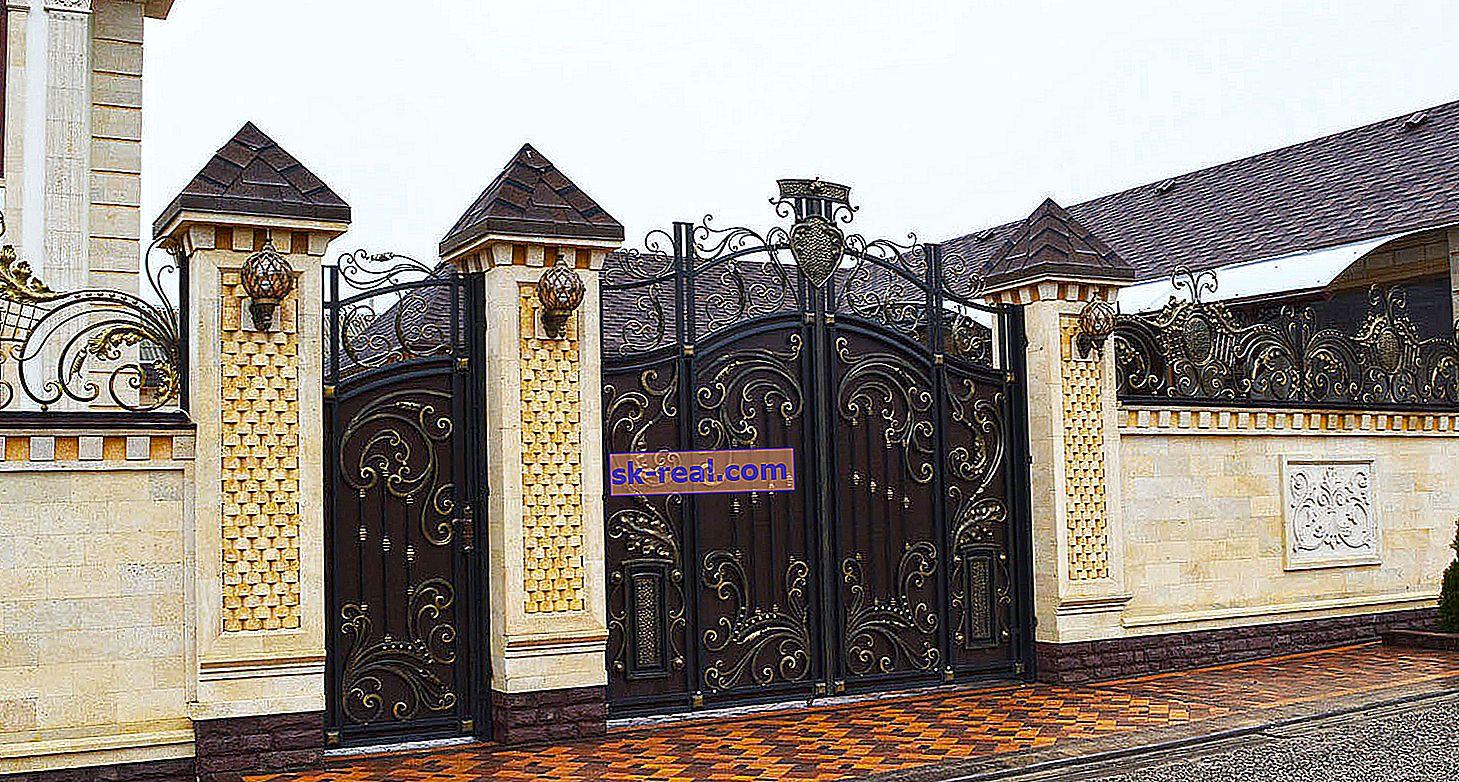 Lepa kovana vrata v krajinskem oblikovanju